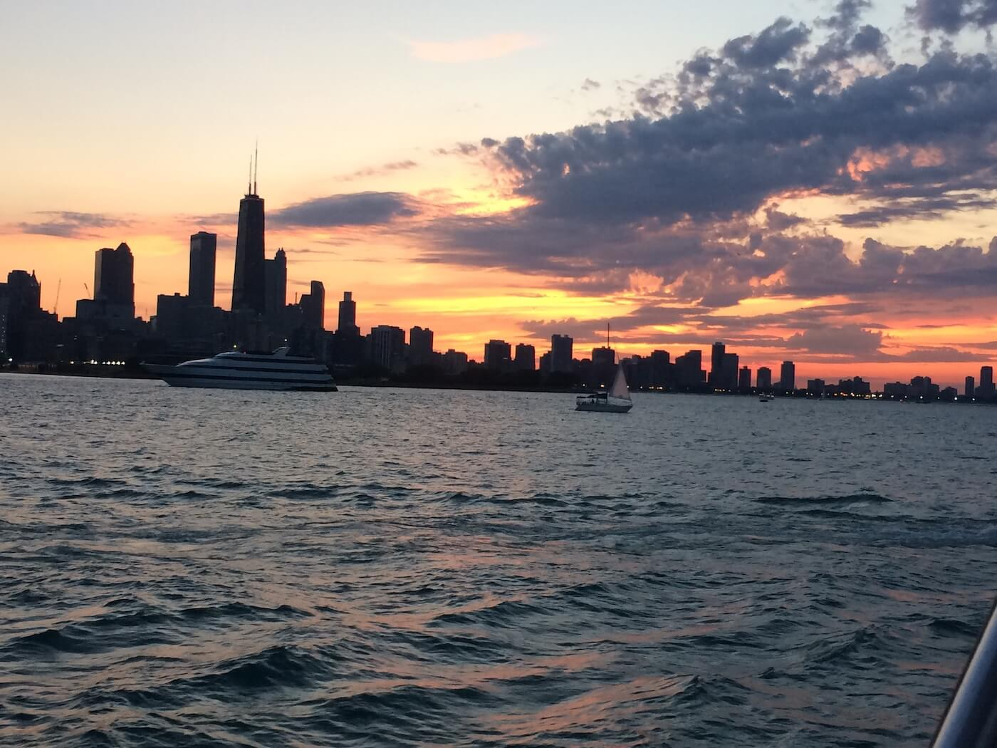 Chicago Boat Trips – Knock Out Charter Tours-3